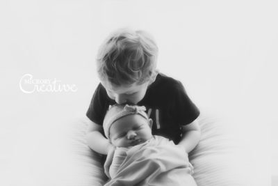 siblings newborn photography